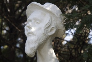 One of the 13 sculptures Bulow has enlarged for the new exhibition in Fort Tryon Park.