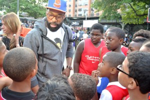"Davis spoke directly to the youth players, encouraging them to, ""Work hard."""