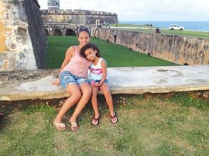"""YUM Amanda Rosado, con su hija Jailyn, dijo estar agradecido por las """"risas y llantos"""" de todos los días."""