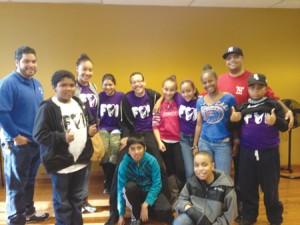 Los jóvenes voluntarios de Helping Hands Food Pantry en Inwood se movilizaron para ayudar a neoyorquinos necesitados.