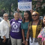 """""""Ella tiene un historial de hacer las cosas"""", dijo la presidenta de NOW-NYS Zenaida Méndez (primera a la izquierda), con miembros de la Coalición de Mujeres Dominicanas. Foto: Gregg McQueen"""