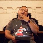 El colectivo Led Black del norte del condado fue anfitrión de una discusión sobre el libro de Luis Alberto Urrea, 'Into the Beautiful North'. Foto: M. Cummings
