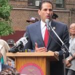 El Concejal Fernando Cabrera, quien comparte el distrito, tambien aloco fondos.