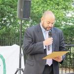 Deputy Commissioner of the Mayor's Community Affairs Unit Roberto Perez presented a proclamation.