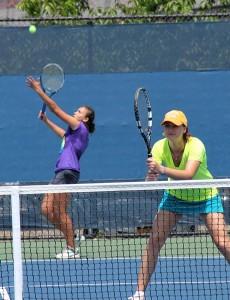 """""""Realmente quería ganar"""", dijo Marina Oetiker (a la izquierda) con su compañera de equipo, Francesca"""