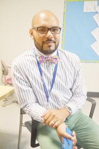 """""""Los estudiantes necesitan apoyo para tener éxito"""", dijo el Coordinador de Participación Christian Guerrero."""