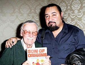 Jiménez con el artista Stan Lee.