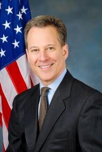 """""""Miles de inmigrantes merecen recibir una compensación"""", dijo Eric Schneiderman, Fiscal General del estado de Nueva York."""