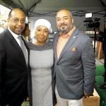 De izquierda a derecha: Presidente de 'Upper Manhattan Empowerment Zone' Mario Baeza, Dr. Vega, y miembro de la junta CCCADI Sandina Sánchez. Foto: Sterling Batson