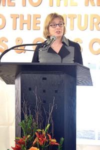 """""""Este es un día increíble"""", dijo Vicki Been, comisionada de Preservación y Desarrollo de la Vivienda."""