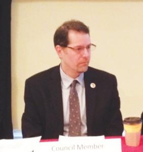 El concejal Mark Levine.