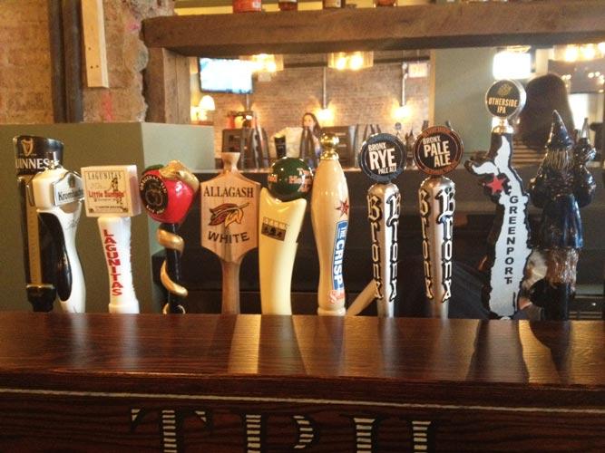 El 'Tryon Public House' presenta 12 cervezas de 'taps'.