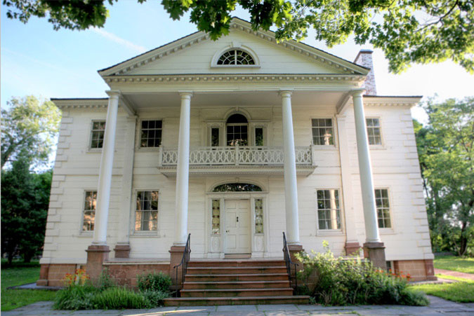 Learn about historic landmarks, including the Morris-Jumel Mansion.