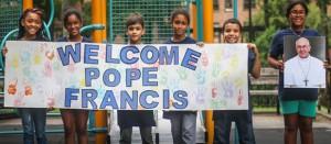 Missives for the Pontiff </br> Mensajes para el pontífice