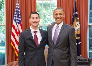 Steven Ávila, un ex participante del programa de practicantes con el presidente Barack Obama.
