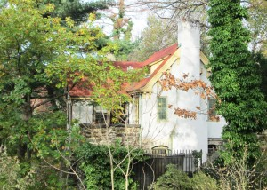 Learn the history of the Fort Tryon Park Cottage.