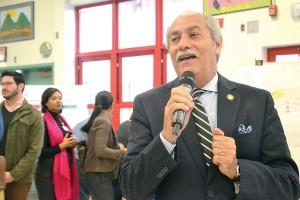El asambleísta Guillermo Linares.