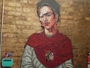 La artista mexicana Frida Kahlo sirvió de musa.