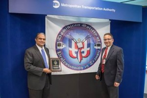 DDC Commissioner Feniosky Peña-Mora (right) with DSPT Board Chair Robert Gómez.