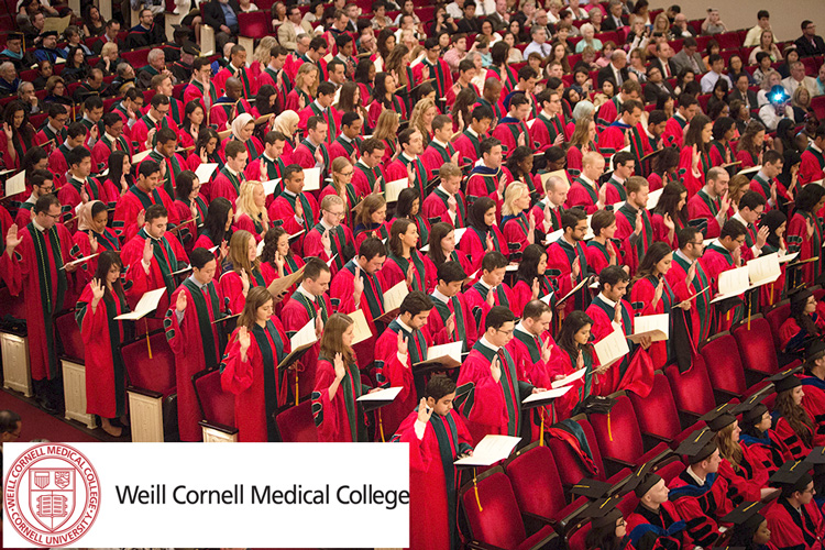 Weill Cornell Medical College's Class of 2015 takes the Hippocratic Oath.
