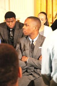 Leslie Odom, Jr., quien interpreta Aaron Burr, escucha atentamente. Foto: Erik Cuello