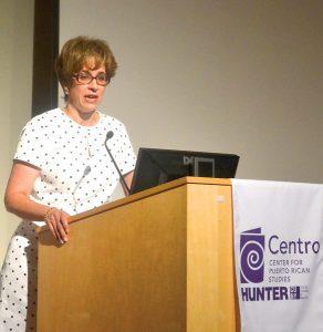 Gretchen Sierra-Zorita, de la Fundación Nacional Hispana para las Artes, actuó como moderadora.