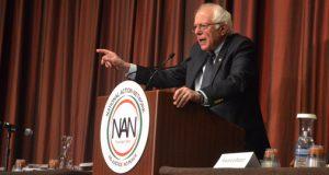 Sanders speaks at NAN <br> Sanders habla en la NAN