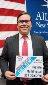 Jorge Montalvo es el director de la Oficina de Nuevo Americanos del estado.