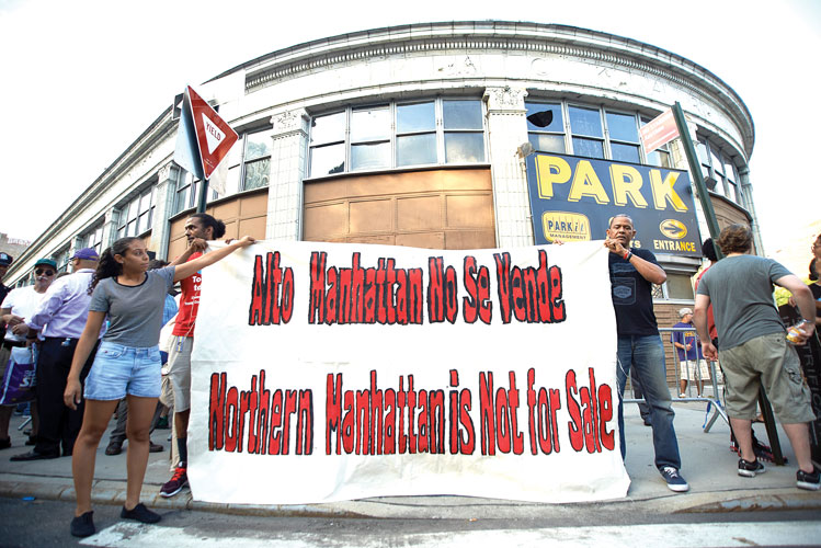 A united front. Photo: Cris Vivar
