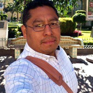 León was last seen wearing a red t-shirt and sneaker, white shorts and silver glasses.