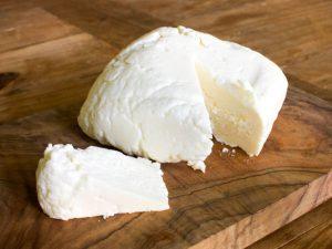 Mejor evitar el queso blando.