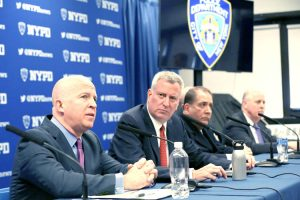 NYPD Commissioner James O'Neill (left) and Mayor Bill de Blasio.