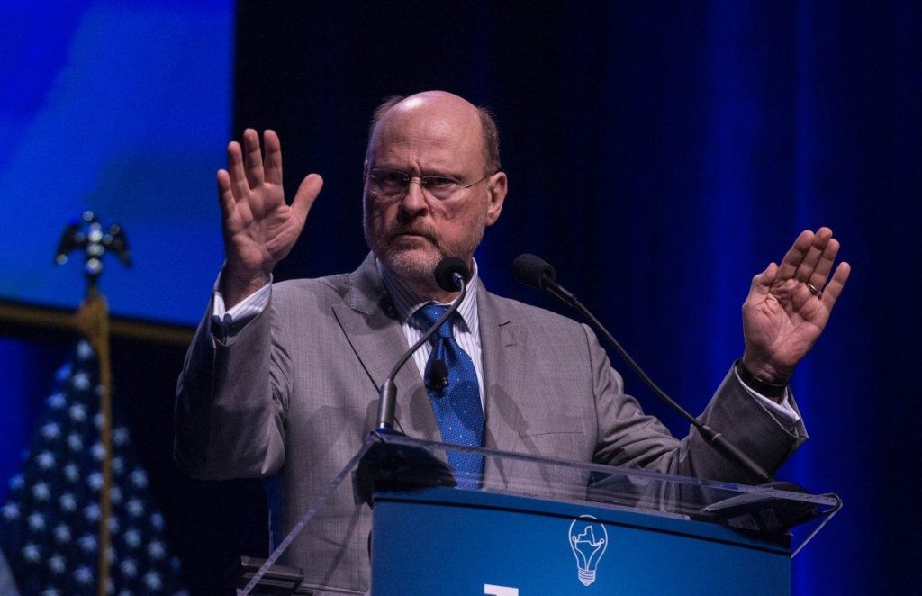 """This is not about politics, it's about good government,"" said MTA Chairman Joe Lhota."