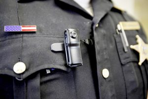 Lawmakers are seeking body cameras for the federal agents.