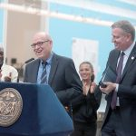 Department of Cultural Affairs Commissioner Tom Finkenpearl (left) with Mayor Bill de Blasio.