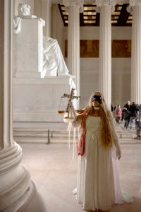 Elizabeth Page posed at the Lincoln Memorial.