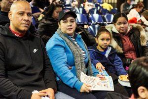 """""""Es una tradición en casa"""", dijo Elliot Contreras (izquierda) con su familia."""
