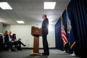 El alcalde Bill de Blasio estuvo disponible para la prensa después del discurso.