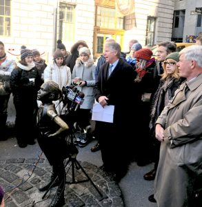 DA Cy Vance (center) is pushing for the Child Victims Act (CVA).