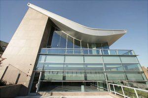 El Bronx Library Center atrajo a más de 644,000 visitantes el año pasado.