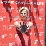 """""""Cualquier RCP es mejor que ninguna"""", dijo la Dra. Holly Andersen, creadora de la campaña de RCP solo con manos."""