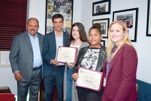 Los estudiantes fueron reconocidos por el concejal Ydanis Rodríguez.
