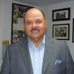 """""""[Al tener] un mentor modelo a seguir, a estos jóvenes les va mejor"""", dijo Héctor Batista, presidente de BBBS de NYC."""