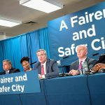 """""""Esta nueva política ayudará a reducir los arrestos innecesarios"""", dijo el alcalde Bill de Blasio."""