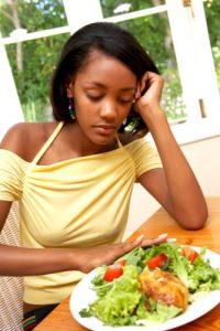 El trastorno ARFID se puede ver como el ser caprichoso en comer llevado al extremo.