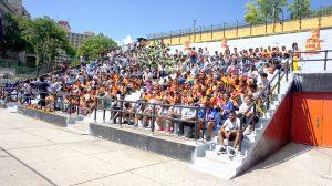 Participaron cientos de jóvenes de campamentos locales.