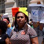 """""""Si mis hijos se mudan, debería ser una elección, no porque se vean forzados a salir"""", dijo Johanna García."""