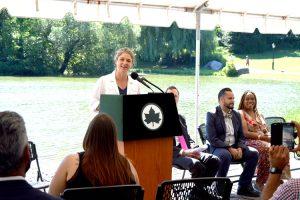 """""""El complejo está comenzando a mostrar su edad"""", dijo la alcaldesa adjunta Alicia Glen."""