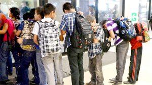 Cientos de niños han sido enviados a la ciudad.