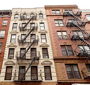 Muchos inquilinos con bajos sueldos deben pagar el alquiler de varios meses como depósito.